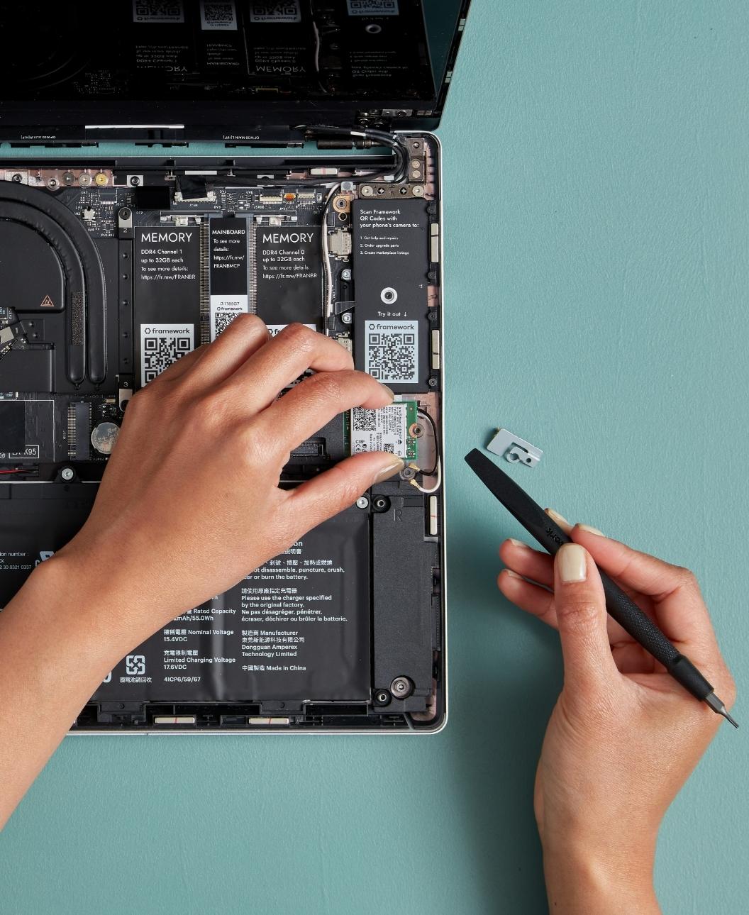 Intel® Wi-Fi 6E AX210 vPro®